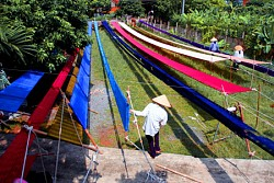 Bat Trang Ceramic Village - Van Phuc Silk Village Tour full day