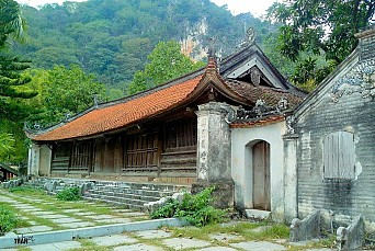 Tay Phuong and Thay Pagoda - Van Phuc Silk Village Tour full day