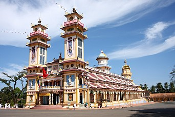 Cu Chi Tunnels and Cao Dai Temple in Tay Ninh Tour full day Go