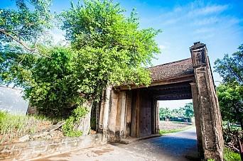 Duong Lam Village - Viet Ancient Village Tour full day